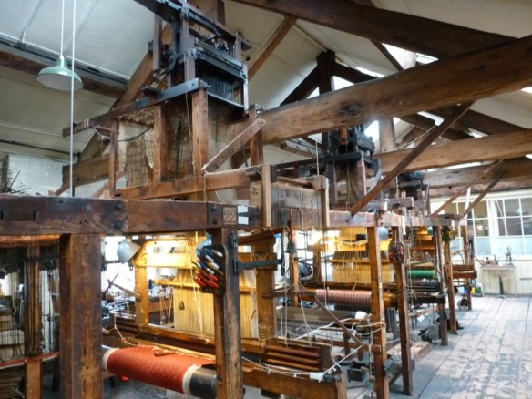 Paradise Mill's Jacquard Looms | Calculating